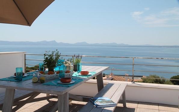 Villa am meer beach house mallorca for Mallorca villa mieten